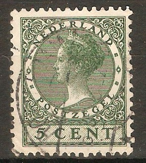 Netherlands 1926 5c Green - Queen Wilhelmina definitives. SG311A