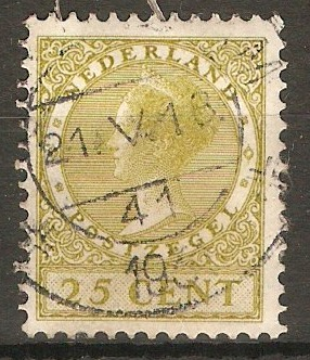 Netherlands 1926 25c Yellow-olive - Queen Wilhelmina. SG325A.