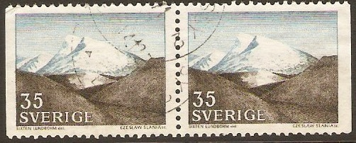 Sweden 1966 35ore brown and blue. SG498.